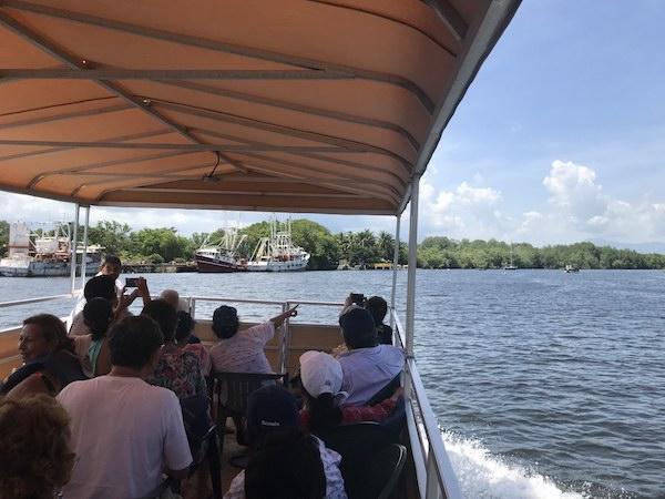 Embarcación Delfines Tour